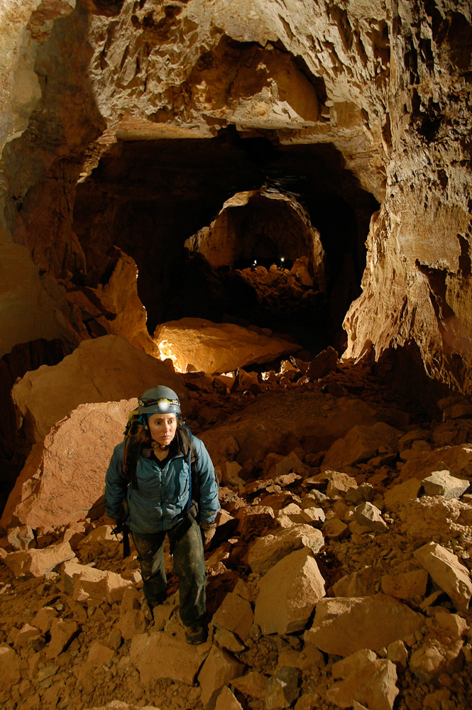 Hattie Oswald explores a newly discovered cave in Arizona