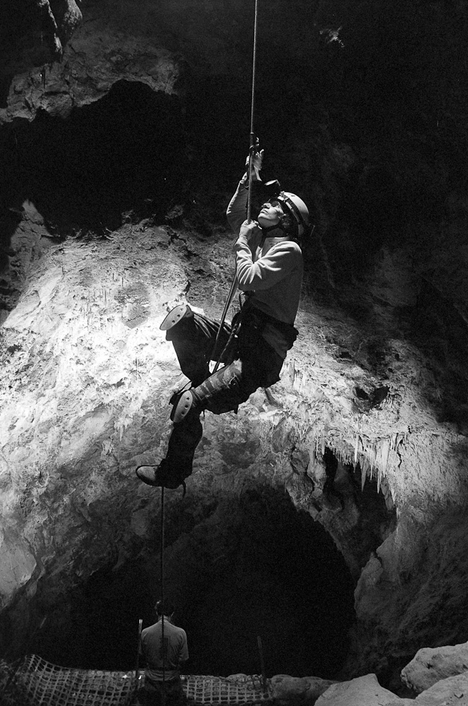 Becky Lindsay ascends the entrance drop into Spanish Moss Cave